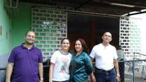 "André Pullig, Maciléia, Meireluce Fernandes e José Carlos F. Brito na Casa ""Amor à Vida"", de Luziânia"
