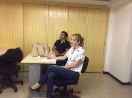 Membros do Sindescritores/DF atentos à reunião: Verônica Vincenza e Judivan Vieira