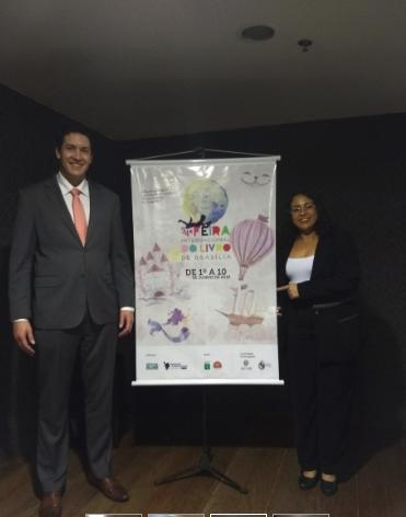O Prefeito de Alexânia, Alysson Silva Lima , e a curadora do Entorno, Nilva Bello - Ascom_FILB